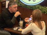 Первое свидание в кофейне